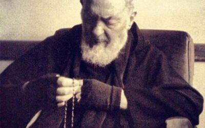 Padre Pio: «El Rosario es el arma de defensa y salvación»